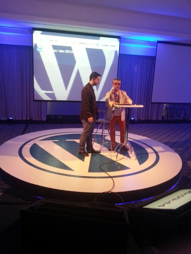 Palco com logo WordPress